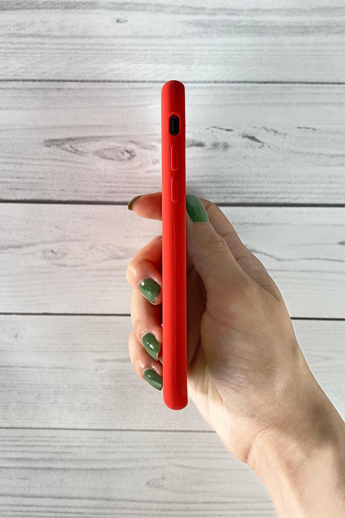 Iphone Kırmızı Lansman Kılıf 7/8/SE